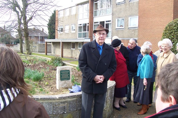 Ray Wheeler and the Christopher Cockerell plaque in Victoria Grove. Ray was the inventor's friend and colleague.
